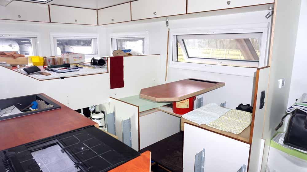 Sitzbank und Küche im Wanderer